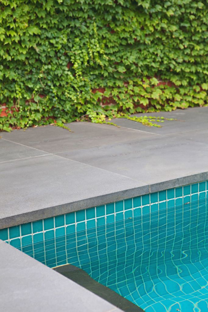 Maintaining the natural stone around your swimming pool ...