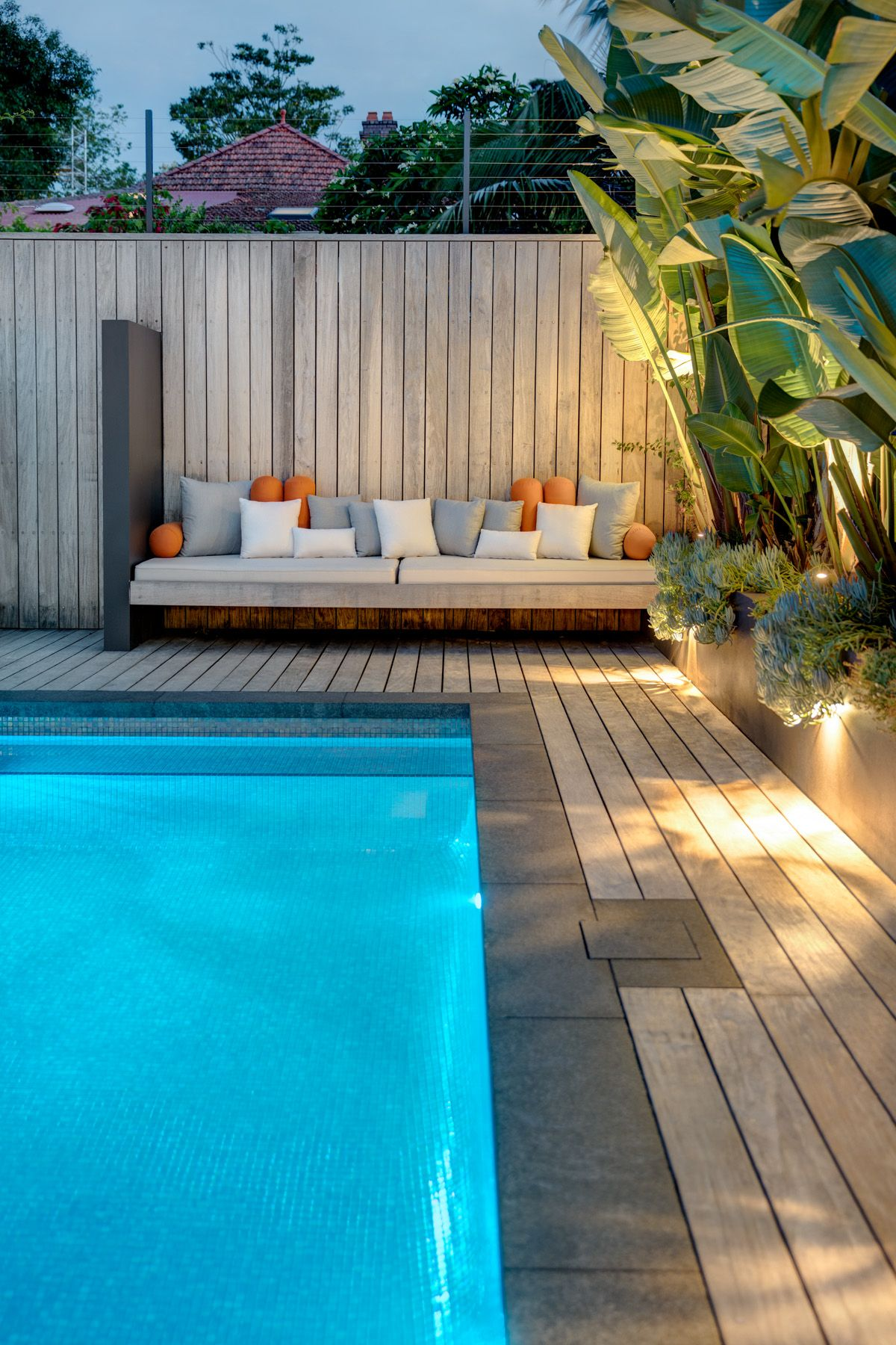 Swimming pool with Raven Granite coping